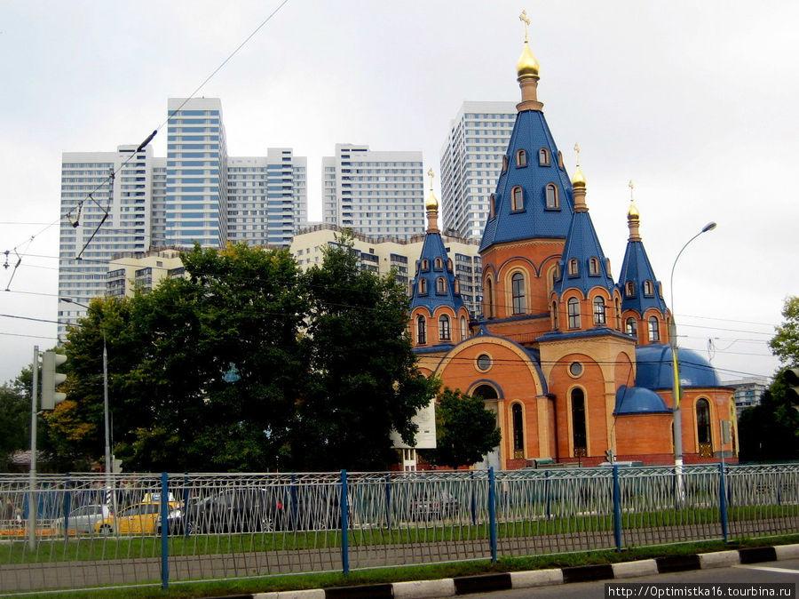 Вид на Северное Чертаново со стороны Чертановской улицы.