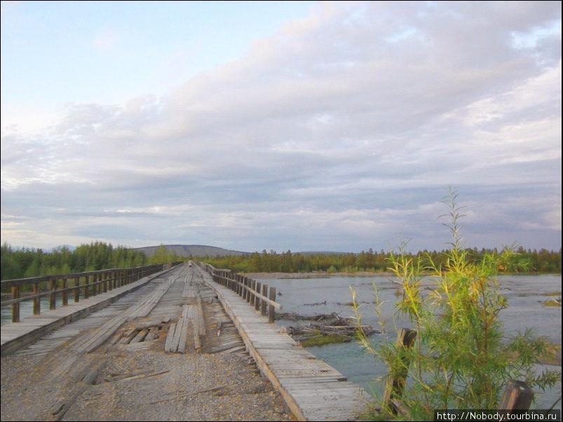 Мост через Индигирку.