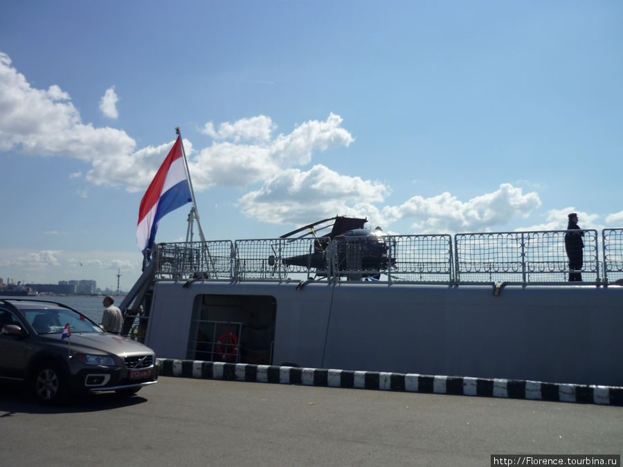 Вертолет на голландском корабле