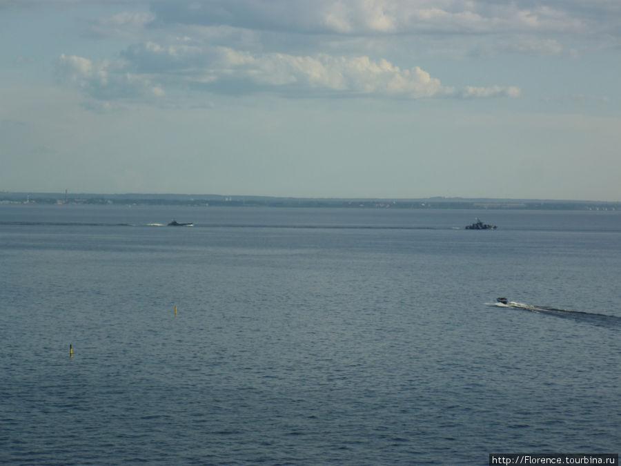 Корабли покидают Салон