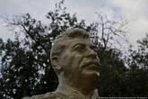 Мне повезло его найти и я очутился в пятидесятых. Иосиф Виссарионович внимательно смотрел на меня...