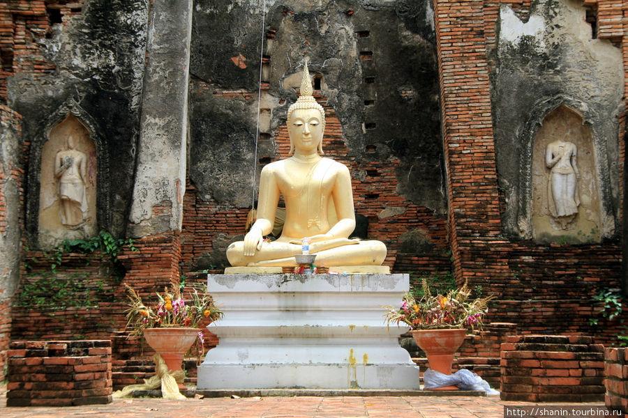 Сидящий Будда, Ват Чоенг
