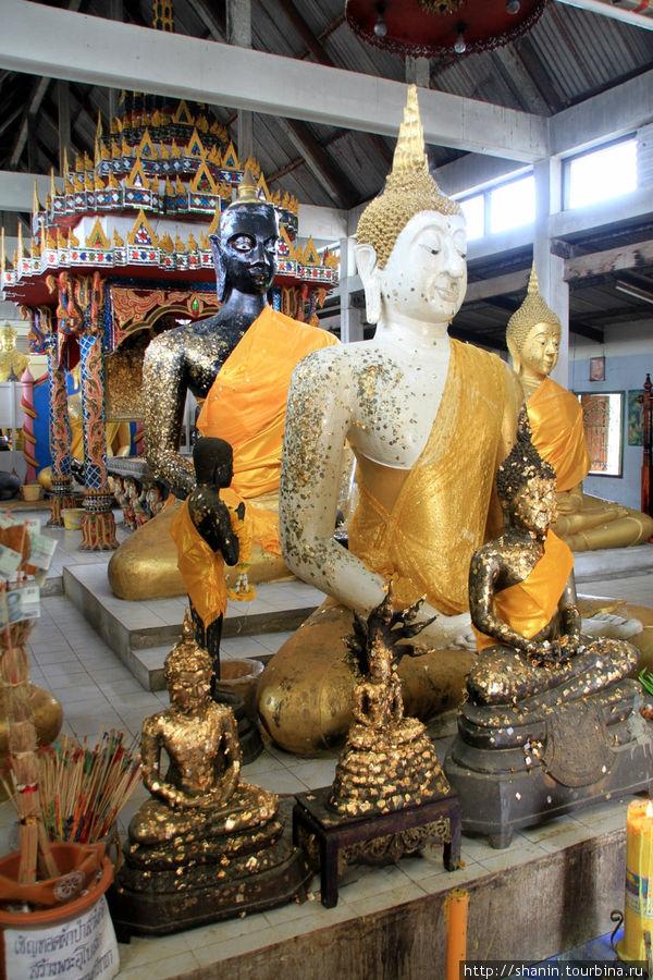 Будда,  Ват Пхутхао Тхонг