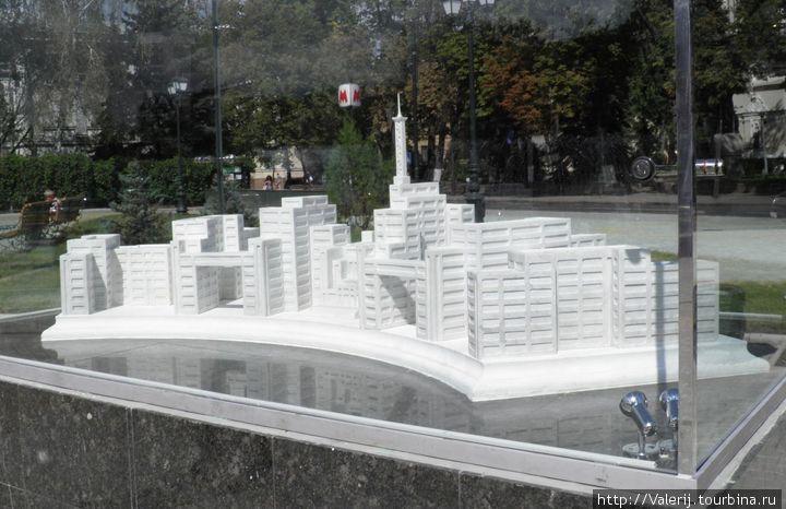 Макет Госпрома — первого монолитного здания из бетона в СССР