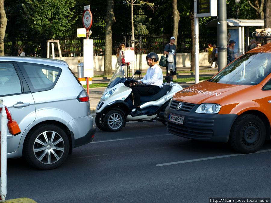 необычный четырехколесный мотоцикл