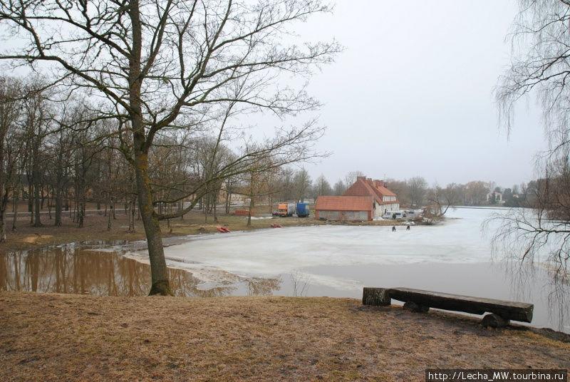 Вид на мельничное озеро