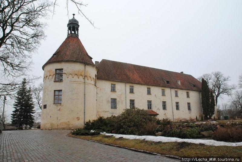 Замок Яунпилс