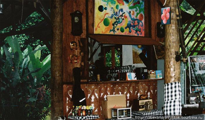 бар в лесу