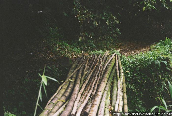 мост через расщелину, в д