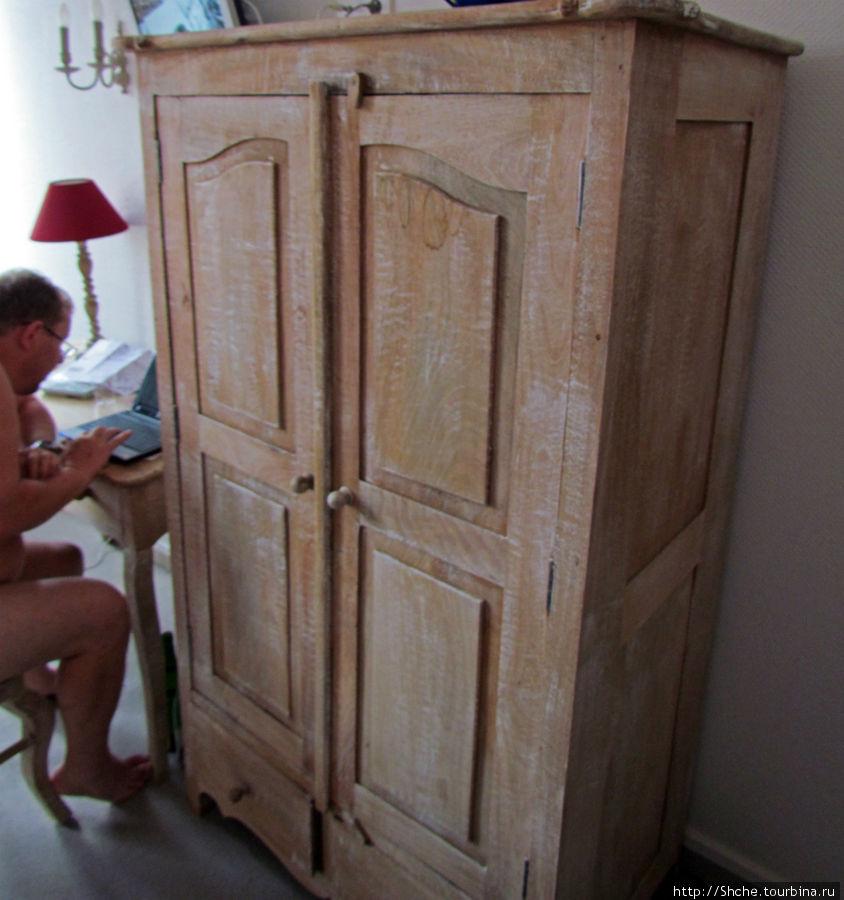 Шкаф старый, страшно трогать — и бесплатный Wi-Fi в номере...