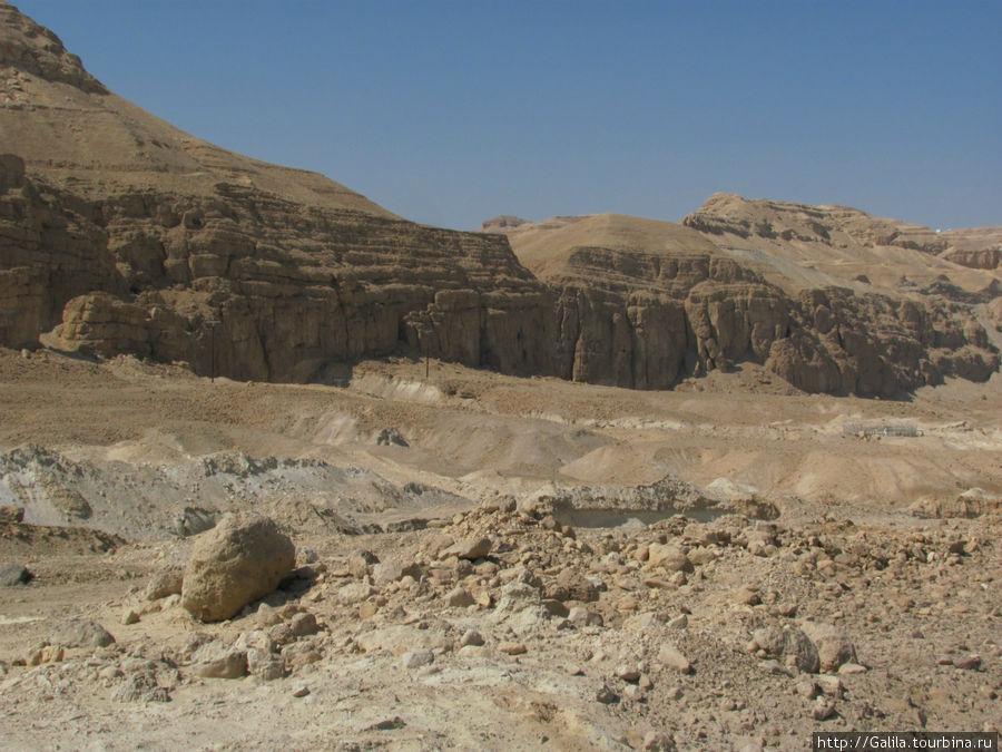 Кончилась пустыня,пошли горы.