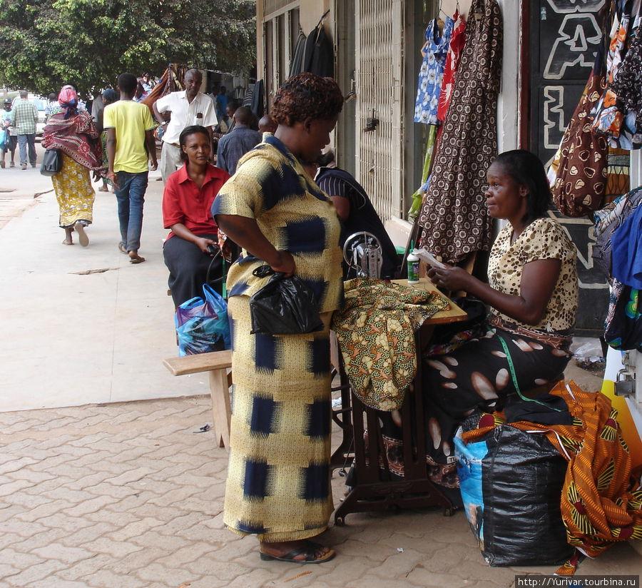 Швейное ателье на улице