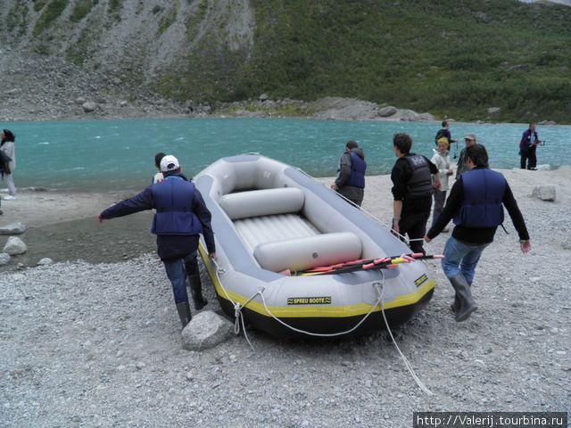 Подготовка к рафтингу по этой самой реке.