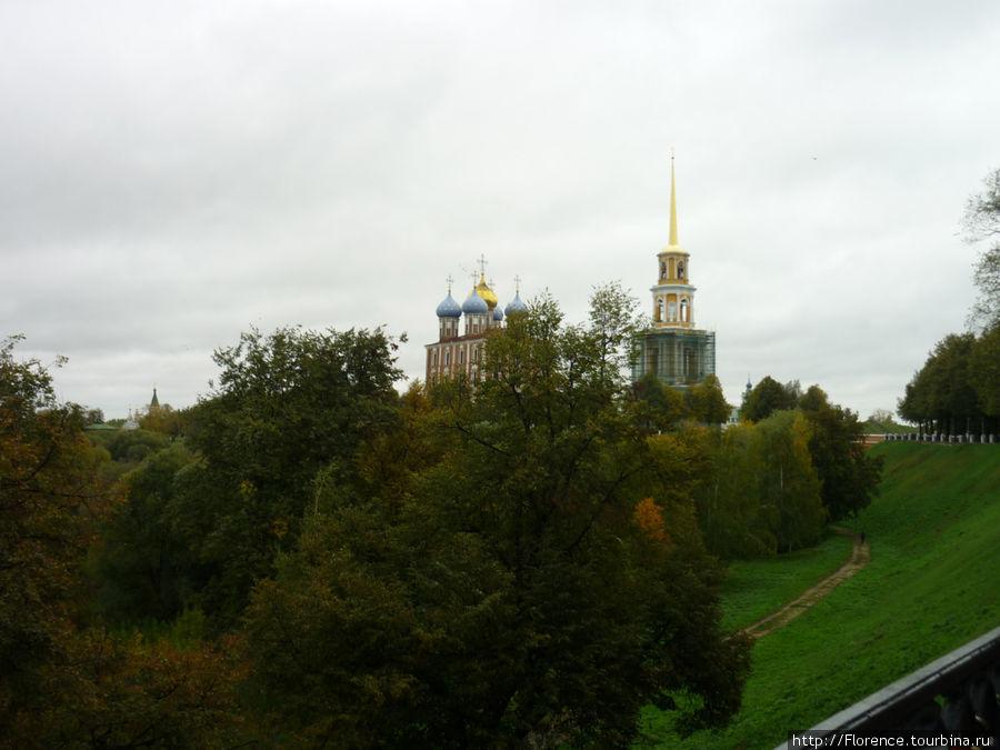 Вид на кремль с обзорной площадки у памятника