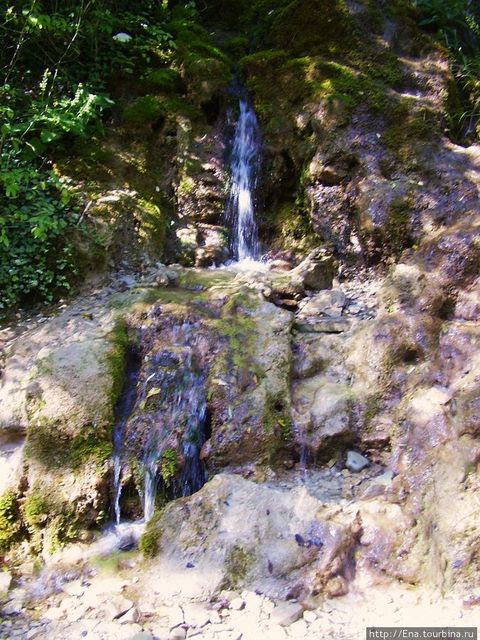 Экскурсия на Пшадские водопады. Ключ из скалы