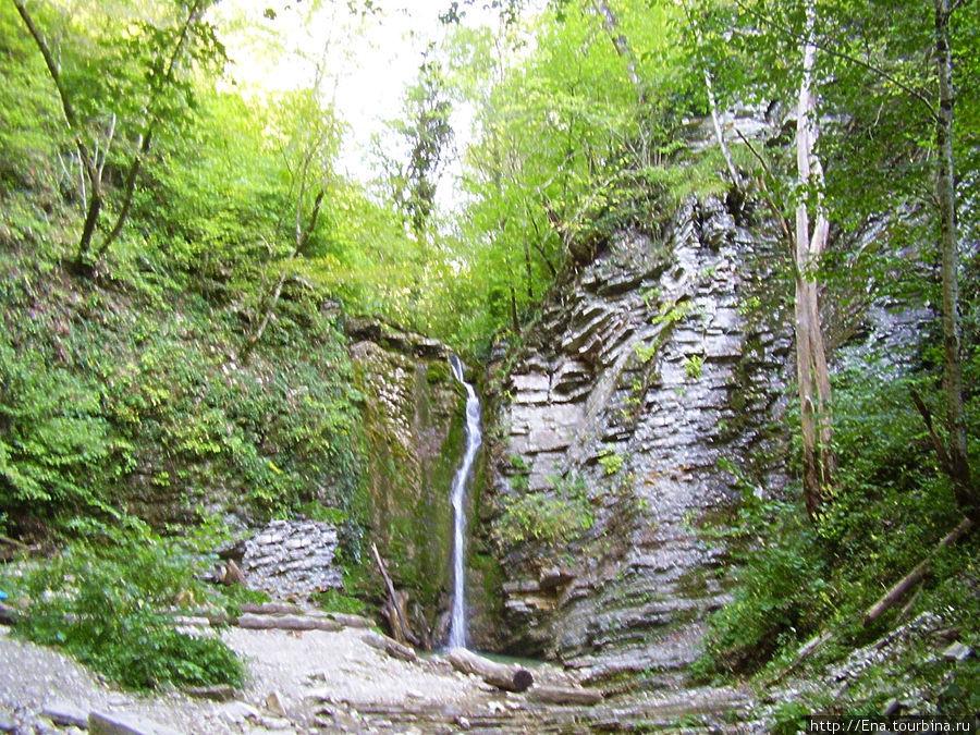 Экскурсия на Пшадские водопады. Панорама Большого Медвежьего водопада