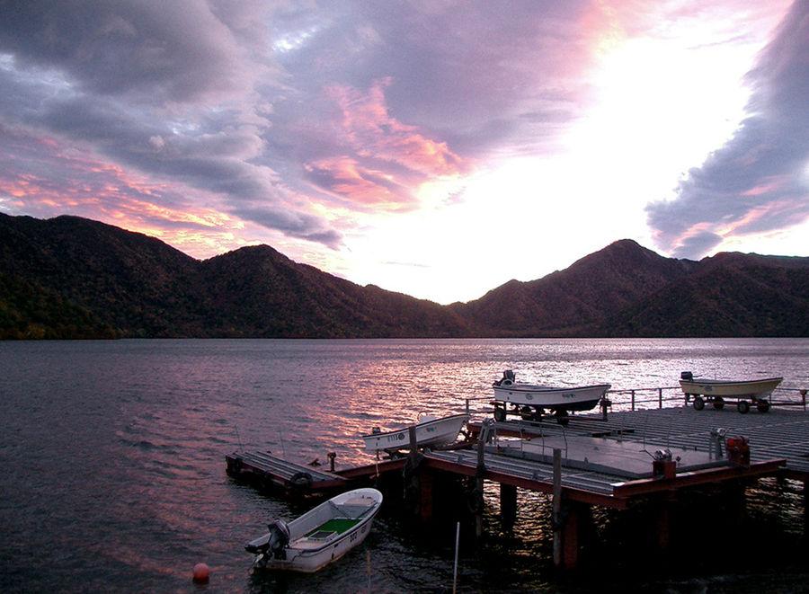 Закат на озере Тюзэндзико