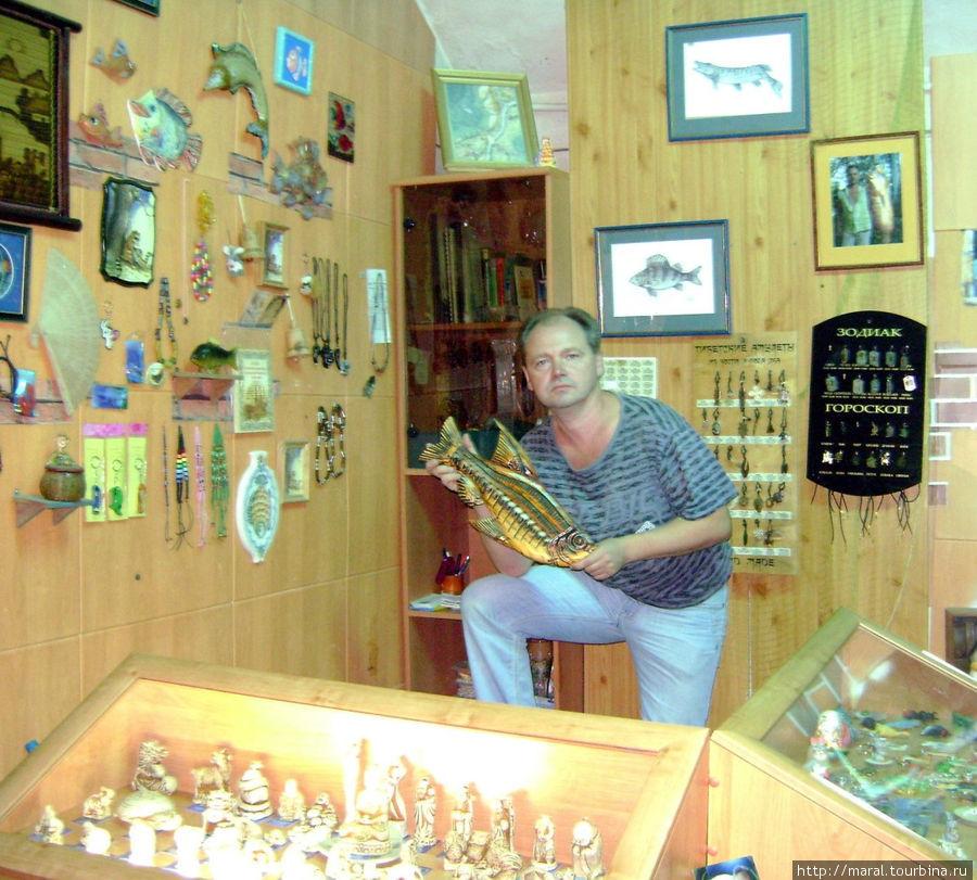 Леонид Куракин — директор постоянно действующей зоологической выставки в Рыбинском музее-заповеднике