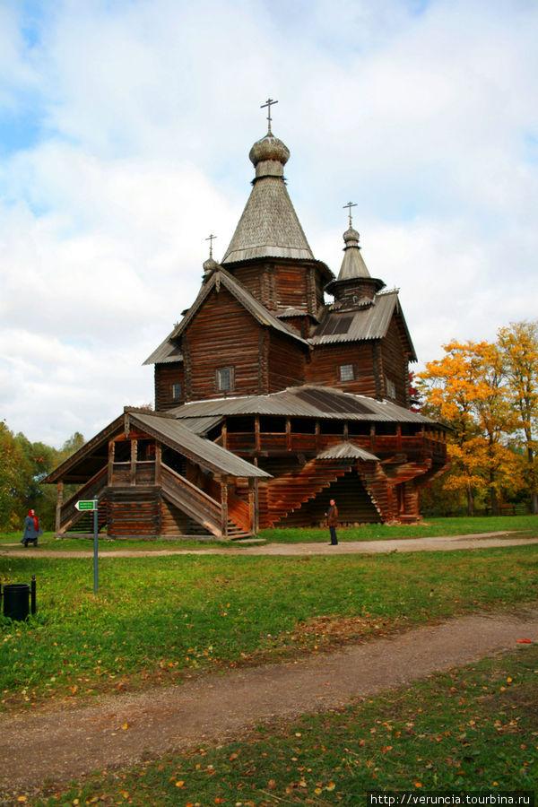 Комплекс Погост, Церковь Рождества Богородицы 1539 года из села Передки Боровичского района