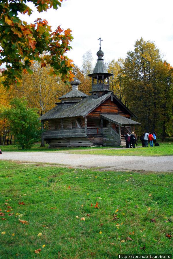 Часовня XVIII века из деревни Кашира Маловишерского района