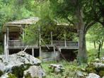 Старый абхазский дом, более 100 лет. Или даже больше. Без единого гвоздя построен. Жаль, что так запущен, привели бы в порядок, чтобы можно было потрогать, проитись по нему.