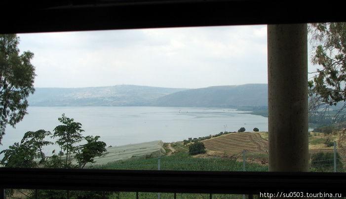Вид из окна церкви Запове