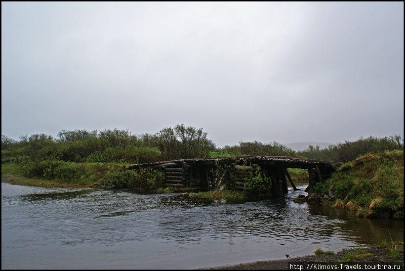 Сгнивший мост. Эту реку брали в брод