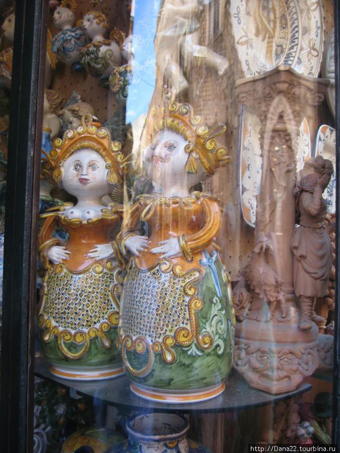 Усы и юбка — древняя традиция дурить сеньоров при реализации