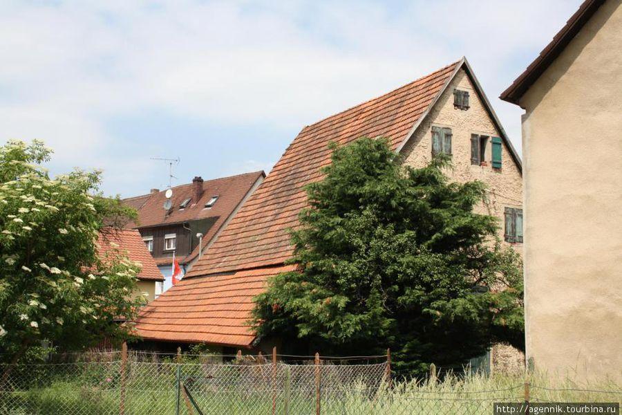 Многие дома очень старые