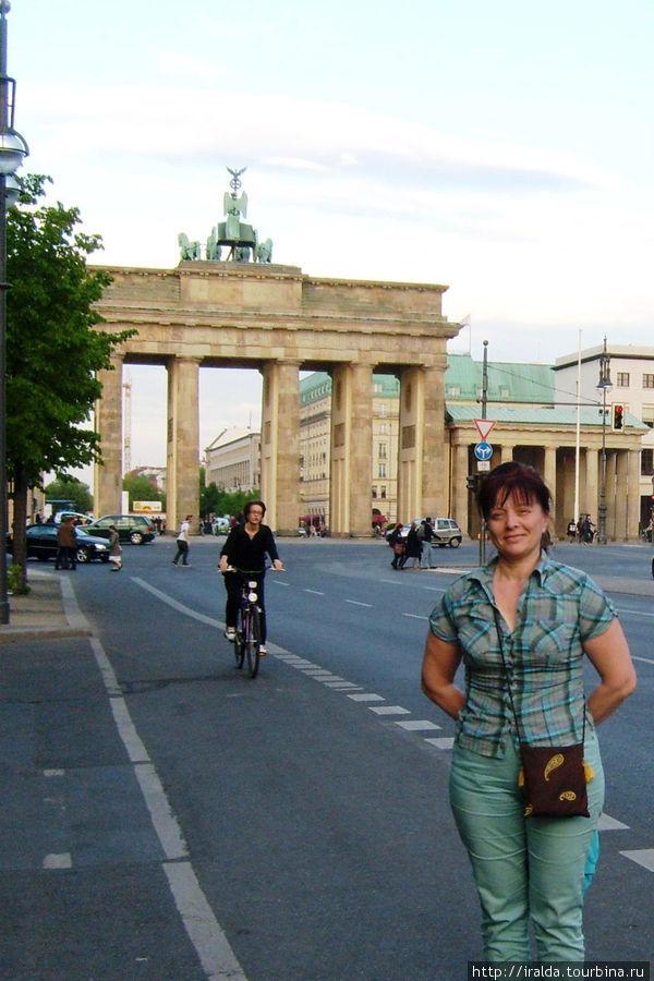 С Бранденбургских ворот, расположенных в самом центре немецкой столицы, мы и начнем путешествие по Берлину