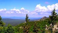 Вид на Откликной гребень с другой горы