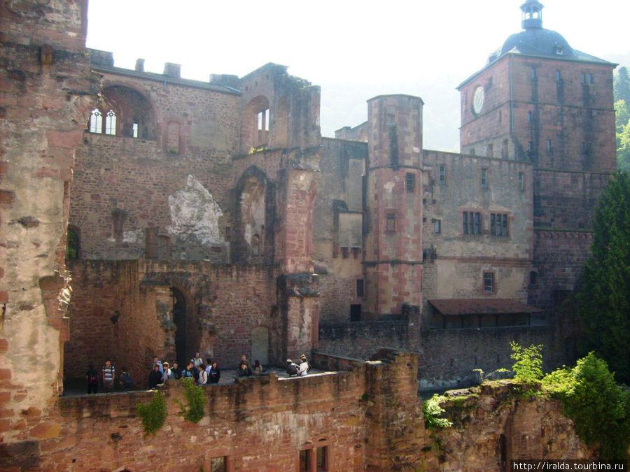 Строительство знаменитого замка потребовало более 200 лет (1400 — 1619)