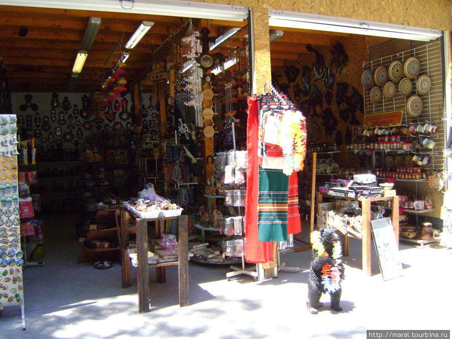 Разноцвеные болгарские скатерти создадут уют в вашем доме