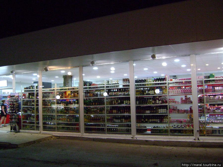 Магазины на Золотых Песках работают до позднего вечера