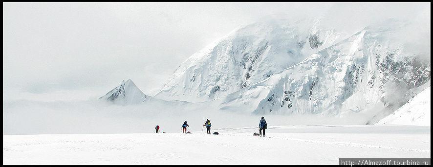 на леднике Калхитна, Аляска