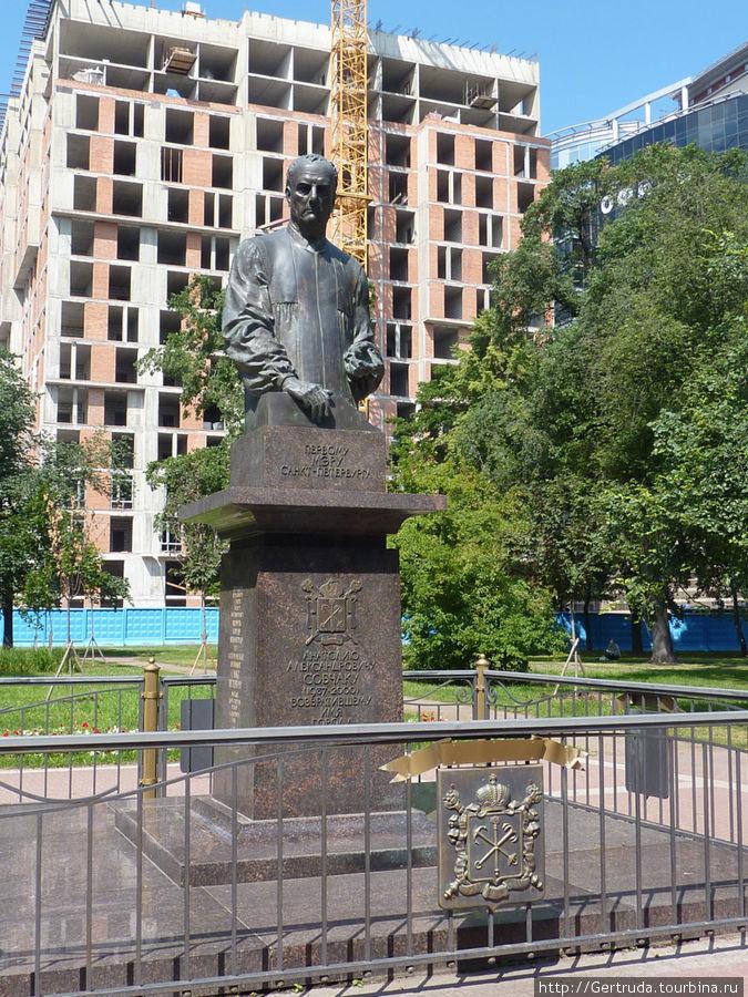 Памятник А.А. Собчаку.