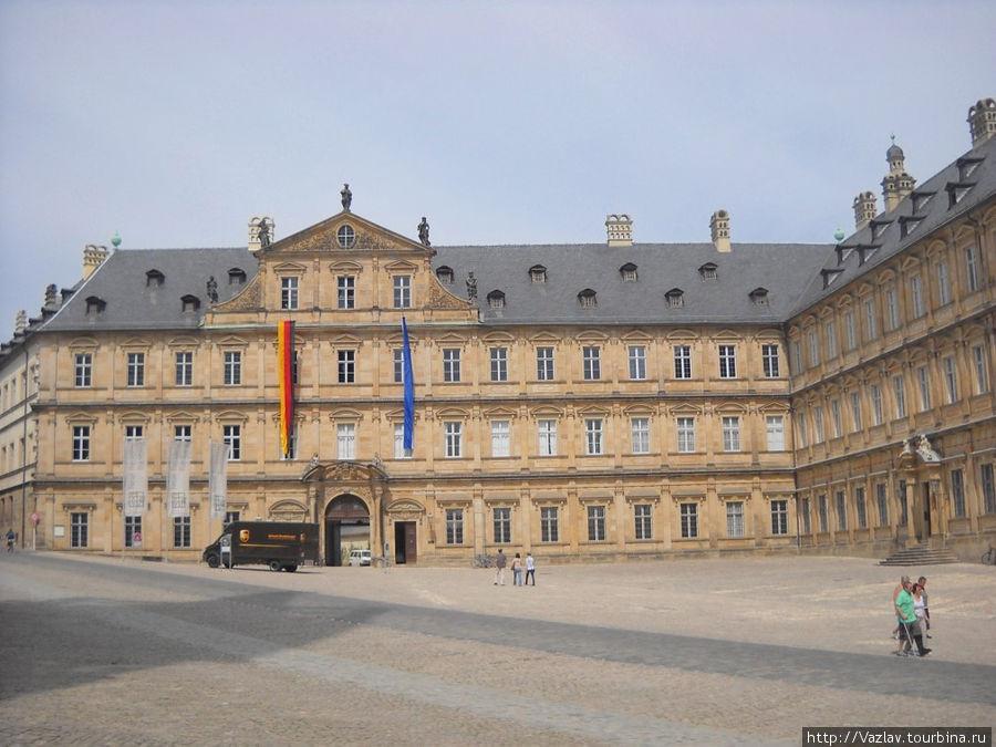 Вид на дворцовый комплекс