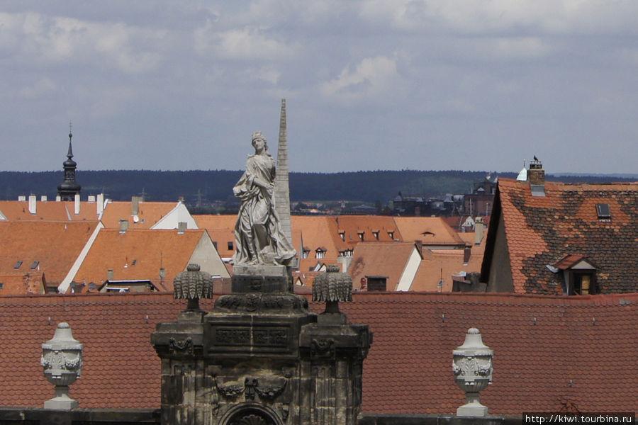 Вид на Бамберг с соборной площади