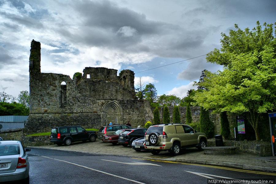 Руины Cong Abbey.