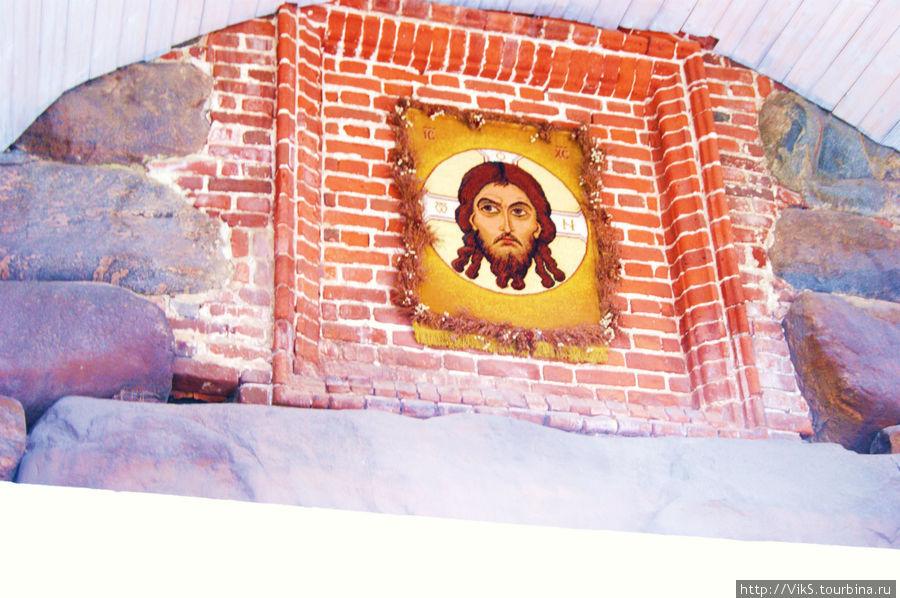 Икона Христа над Святыми воротами.