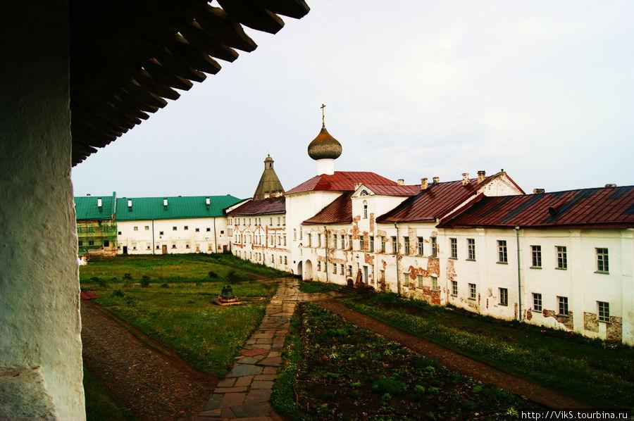 Внутренний двор монастыря.