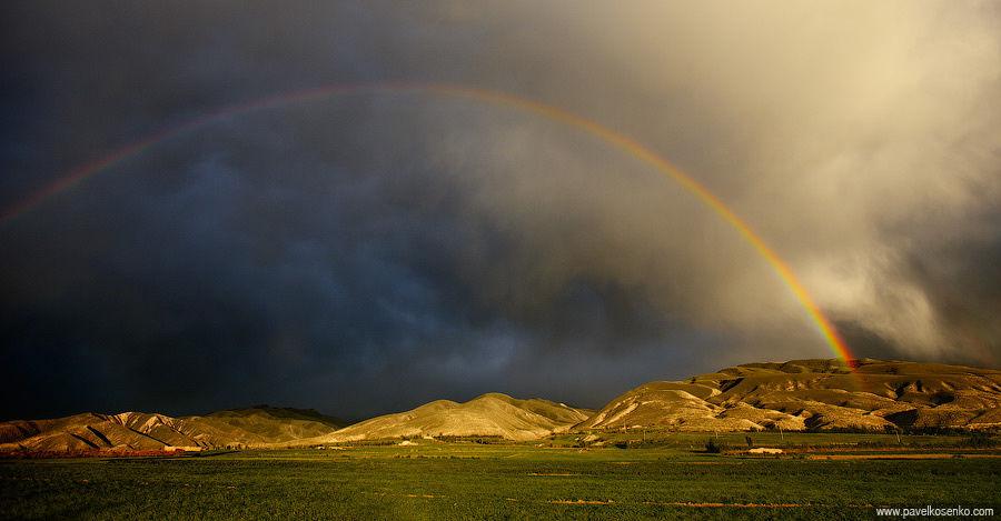 Закат на озере Иссык-Куль. Киргизия