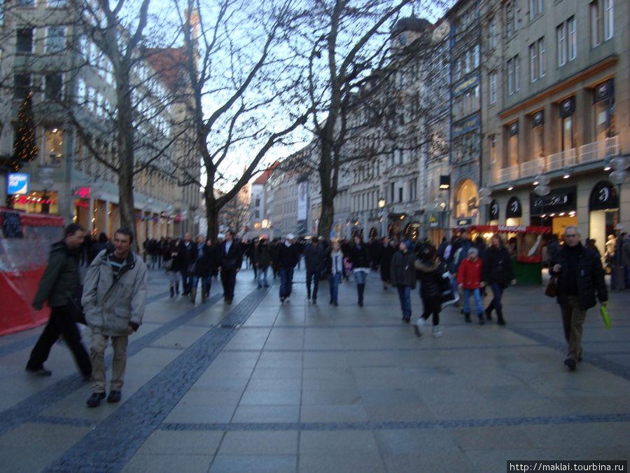 Мюнхен. Торговая улица.