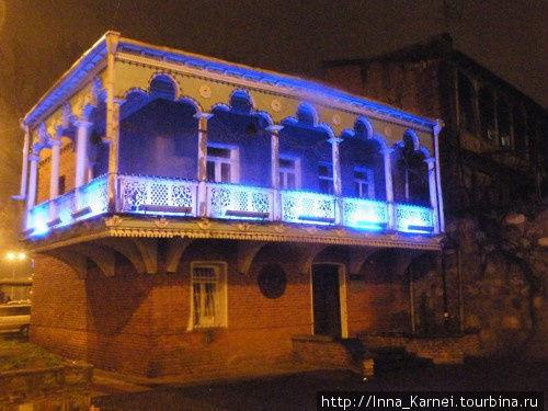 Ажур балконов старого Тби
