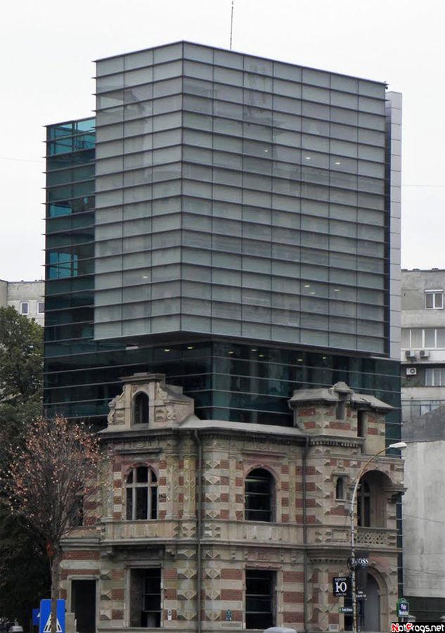 Кошмарное здание Союза Архитекторов