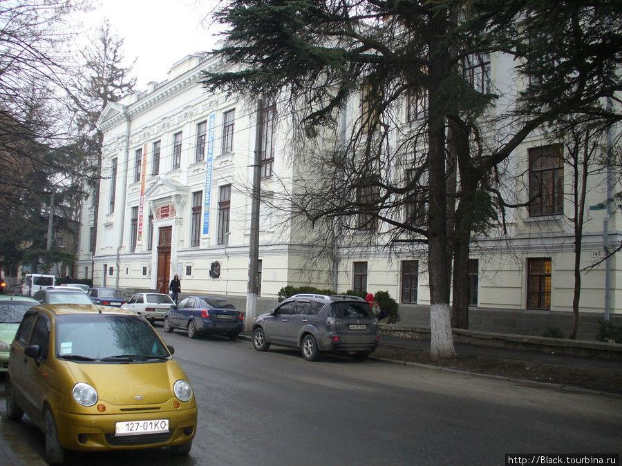 Здание Центрального музея Тавриды по ул. Гоголя, д. 14