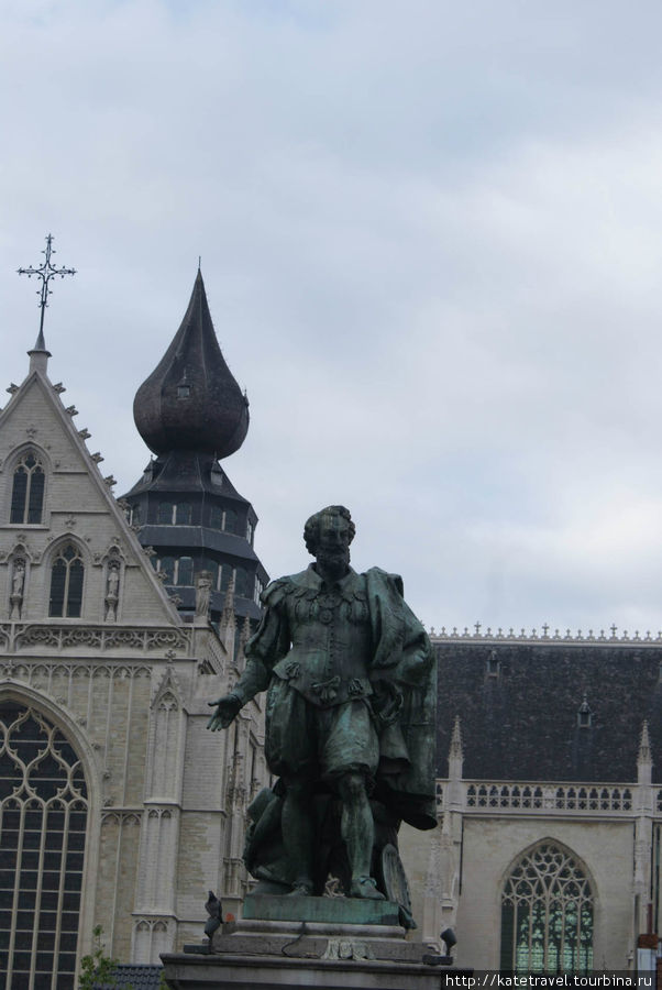 Памятник знаменитому антв