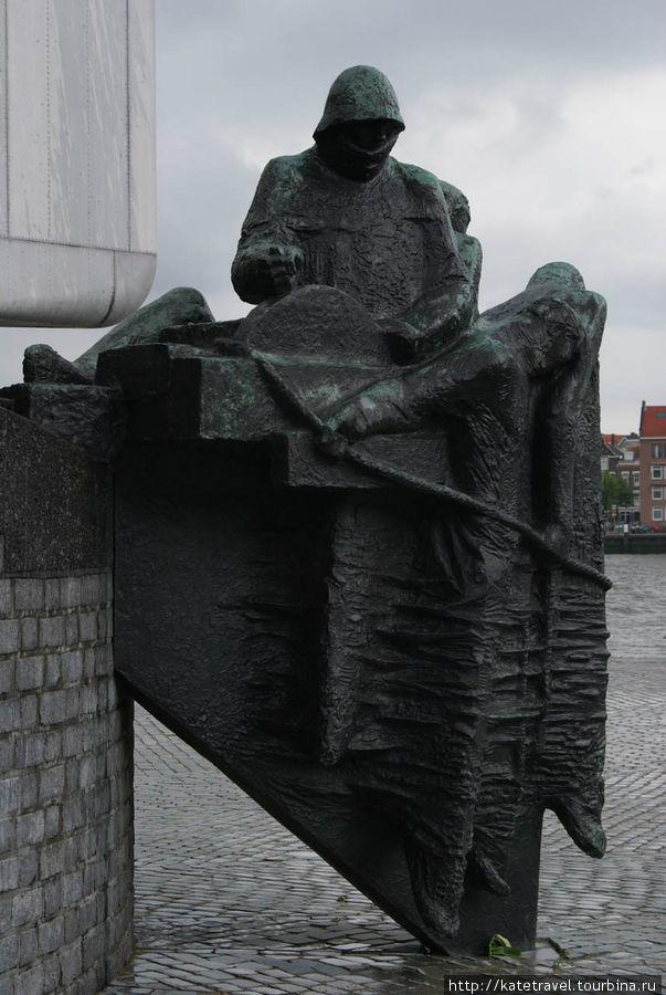 Стелла в честь воинов, павших во Второй мировой войне
