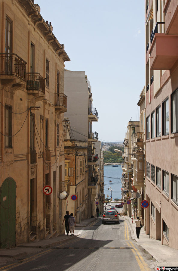 Наша любимая улица в Слиме, Triq Bisazza