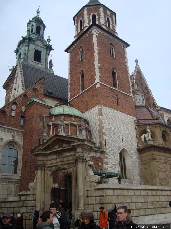 Краков. Кафедральный собор на Вавеле.